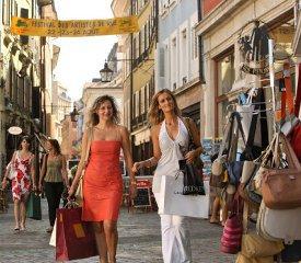За покупками — в итальянские магазинчики