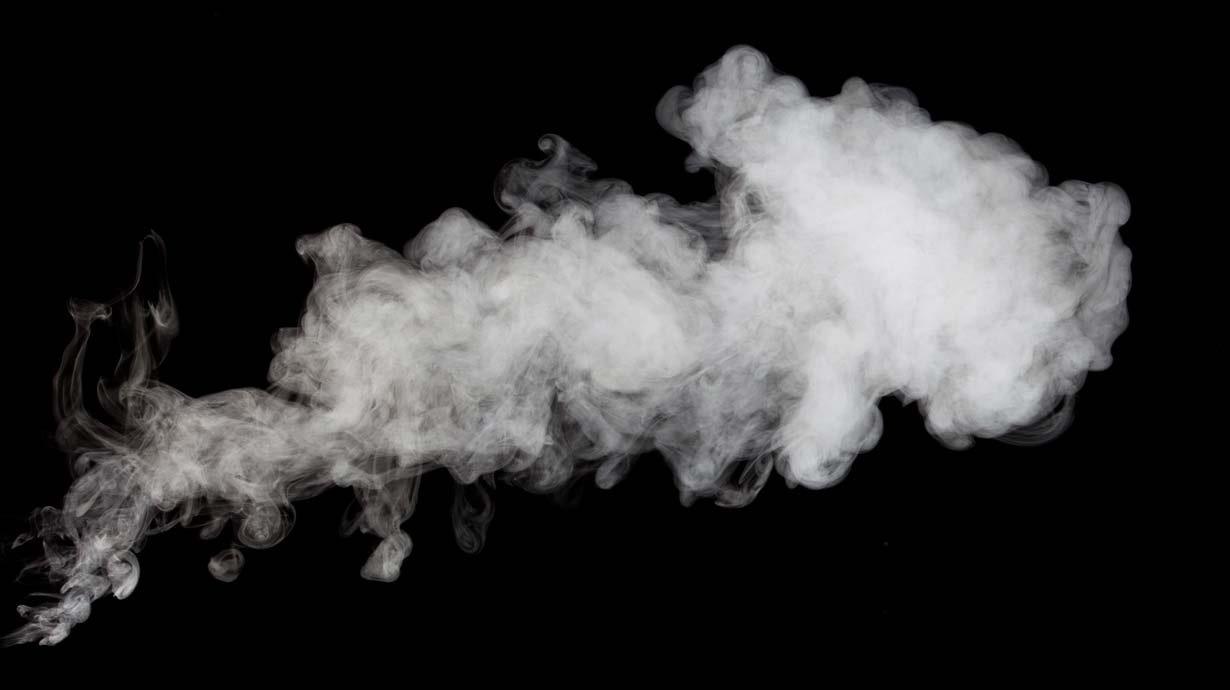 СМИ: Сигареты в России будут продавать в одном супермаркете