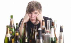 Про выдуманного Бонда и реальных алкоголиков. Альфа-самцы не любят алкоголь