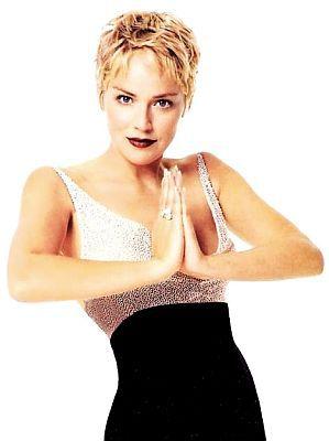Шарон Стоун: йога омолаживает лучше любого крема