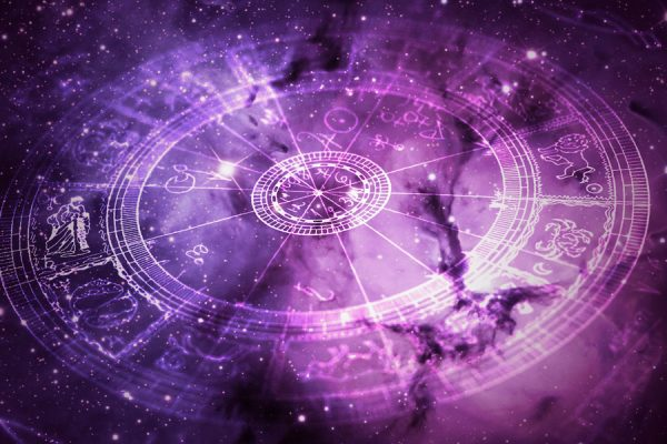 Женский гороскоп на май 2019 года для всех знаков Зодиака