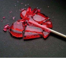 Женщинам проще пережить любовный стресс. несчастная любовь, разбитое сердце