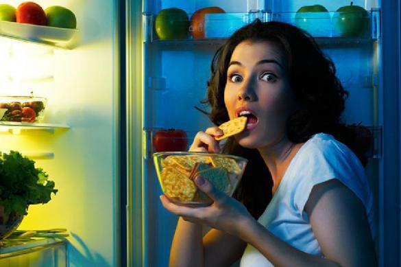Поздний ужин сбивает естественные биоритмы человека