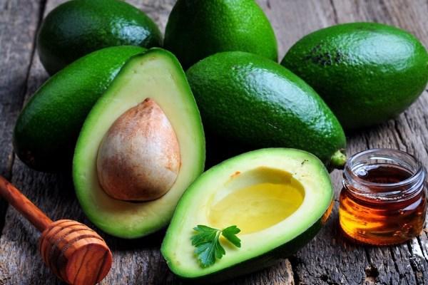 Лайфхак: как использовать авокадо в уходе за собой
