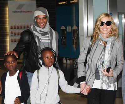 Семья Заибата не хочет принять  Мадонну