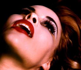 Одинокая женщина мечтает и... отпугивает. Одинокая женщина мечтает и... отпугивает