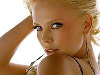 Секреты макияжа: как уменьшить нос, убрать круги под глазами и стать моложе?. В течение дня рекомендую применять термальную воду, ее можно наносить как на очищенную кожу, так и на макияж, мелкое распыление освежает кожу, и макияж совершенно не портит.