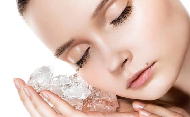 Массаж кожи лица и шеи косметическим льдом. Массаж кожи лица и шеи косметическим льдом