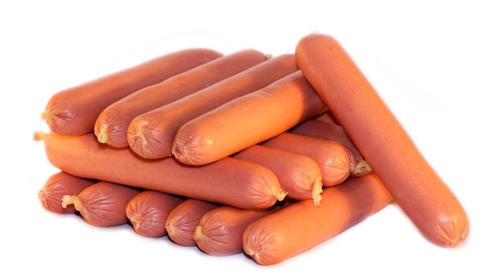 Россияне стали бояться покупать сосиски.