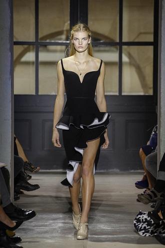 Модный 2012-й: смена дизайнеров и дары шейхов. Источник: www.balenciaga.com