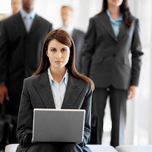 Открытие дизайнеров: женской карьере помогает модная одежда. Костюмы пяти типов. Видео. 4193.jpeg