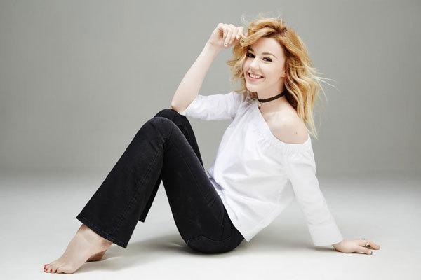Юлиана Караулова выпустила песню