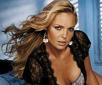 «Съедобная» косметика от знаменитостей