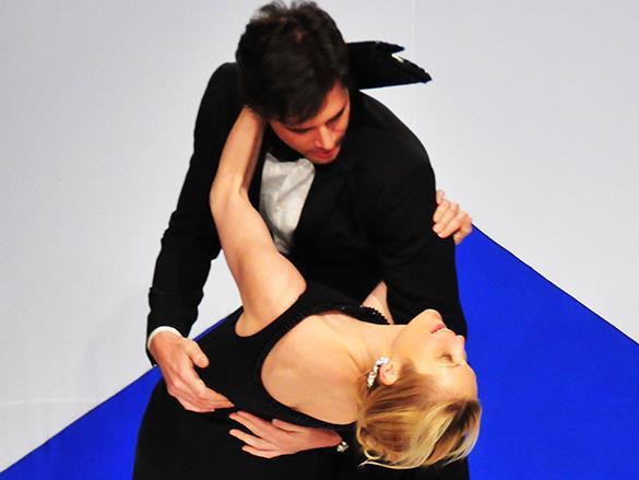 Влечение делает мужчин глупее, а любовь – умнее. мужчина, женщина, танец, танго
