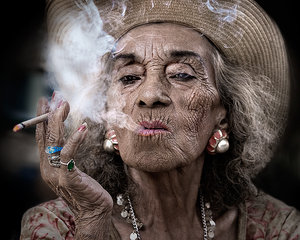Мужчин не привлекают курящие женщины