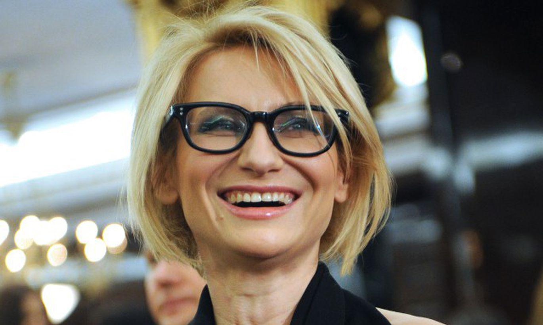 Эвелина Хромченко представила черно-белый образ
