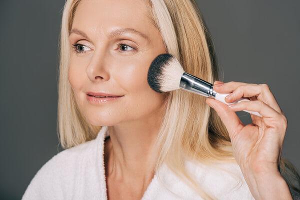 Все, что нужно знать о антивозрастном макияже