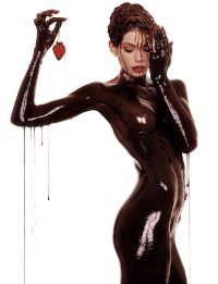 Будь в шоколаде!. Антицелюлитные шоколадные обёртывания стали настоящей революцией в области борьбы с несовершенствами кожи. После шоколадных обертываний кожа разглаживается и увлажняется, приобретает красивый бронзовый оттенок, сходят угри и пигментные пятна.