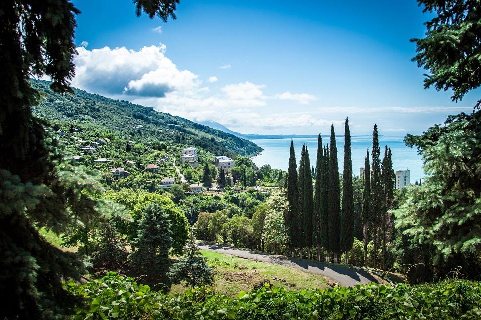 Отдыхаем на море. Абхазия – отсутствие инфраструктуры и самое чистое море