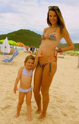 Алессандра Амбросио ждёт второго ребёнка