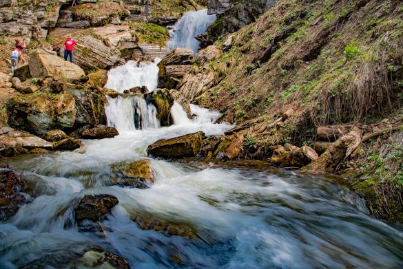 Полюбоваться водопадами можно на курорте