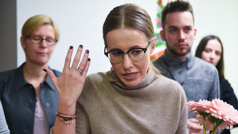 Ксении Собчак на интервью перебивала Курпатова