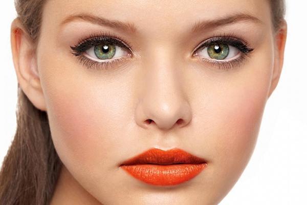 Макияж глаз: опасности, которые нас подстерегают