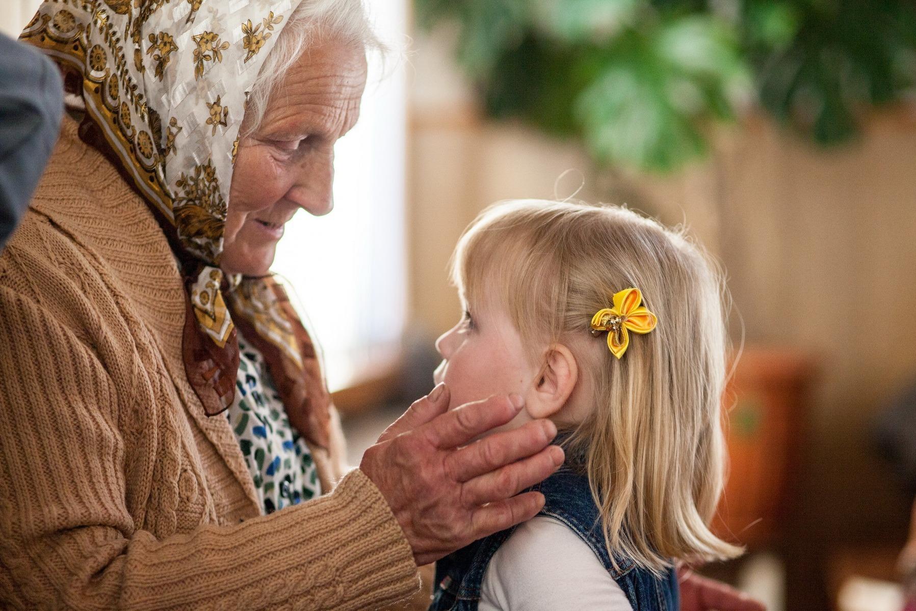 Бабушки положительно воздействуют на здоровье внуков