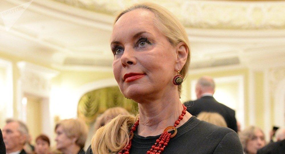 Вдова Кобзона открыла выставку