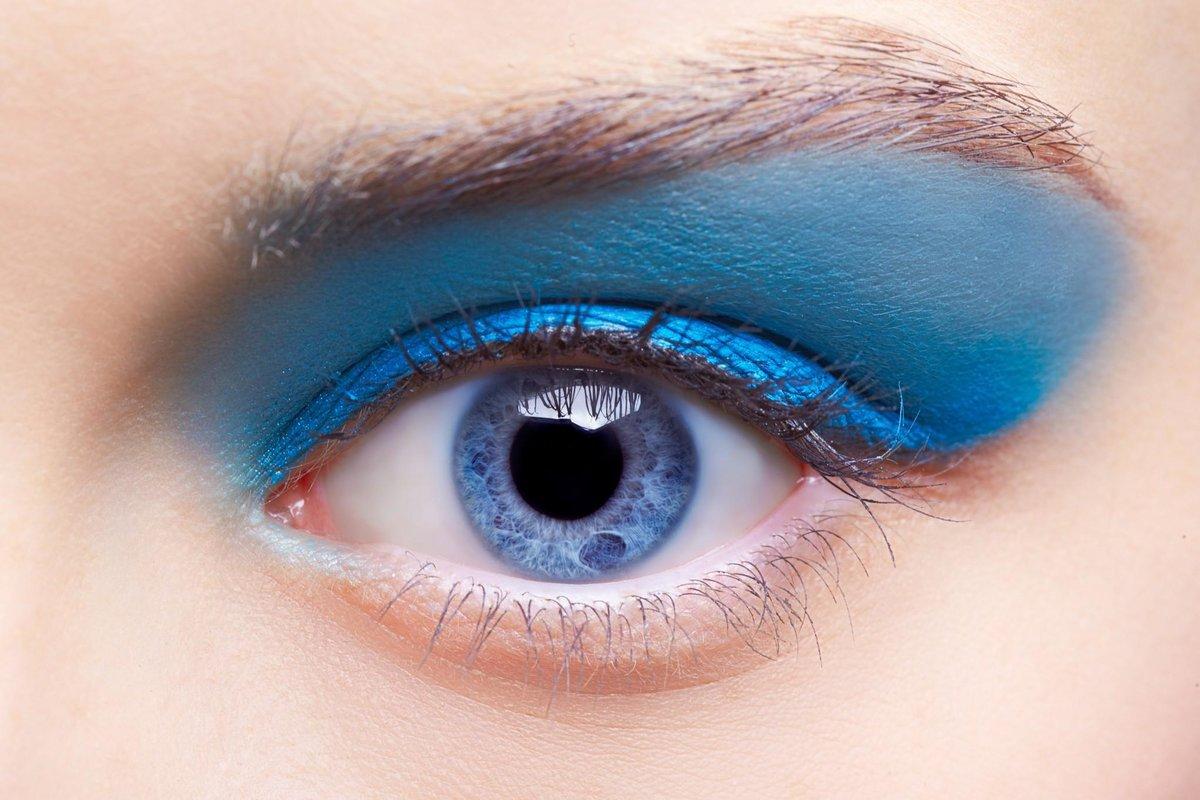 Голубые тени - зимний тренд