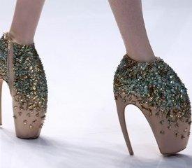 Как правильно носить туфли на каблуках?