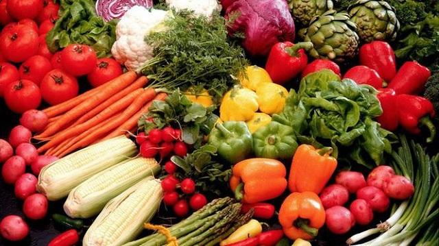 Разноцветная еда для великолепной фигуры