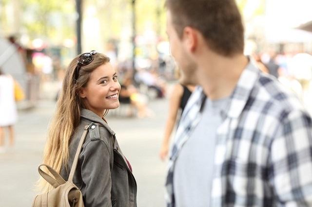 На что мужчины обращают внимание при знакомстве с девушкой