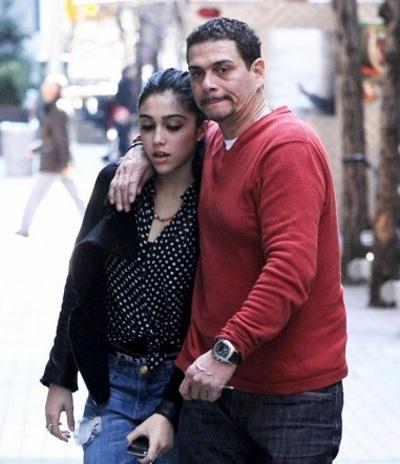 А девочка созрела! Дочь Мадонны встречается с 42-летним мужчиной. 9571.jpeg