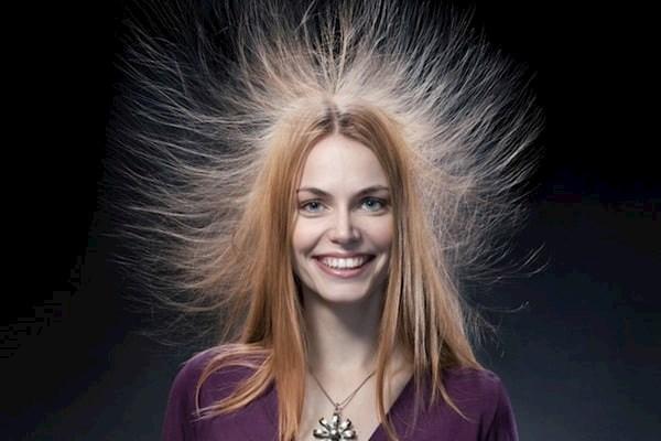 Решаем проблему электризованных волос