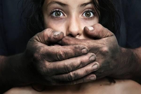 4 скрытых сигнала о том, что человек подвержен насилию