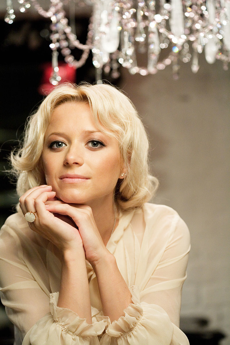 Елена Бережная призналась, что бывший муж избегает общения с их детьми