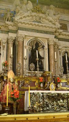 Италия: Святые угодники на все случаи жизни