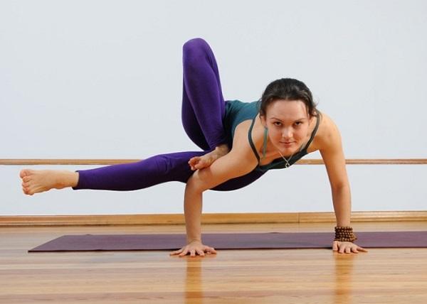 12 недель занятий йогой помогают женщине уменьшить комплексы из-за внешности