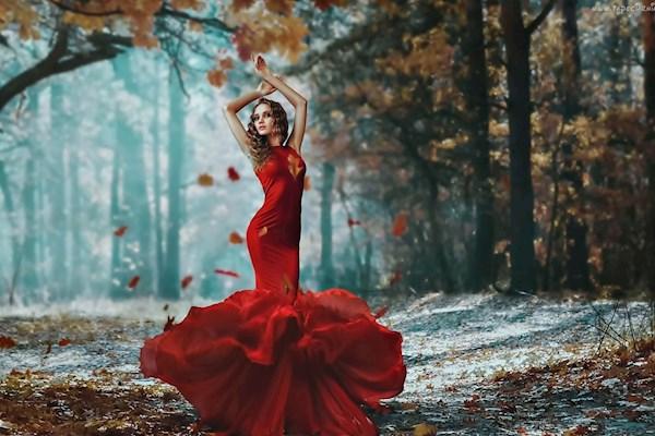 А я хочу, чтобы лето не кончалось: носим летние платья осенью