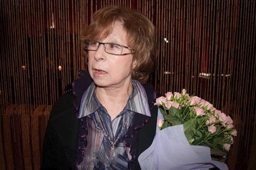 Лия Ахеджакова добивается выселения из квартиры бывшего супруга