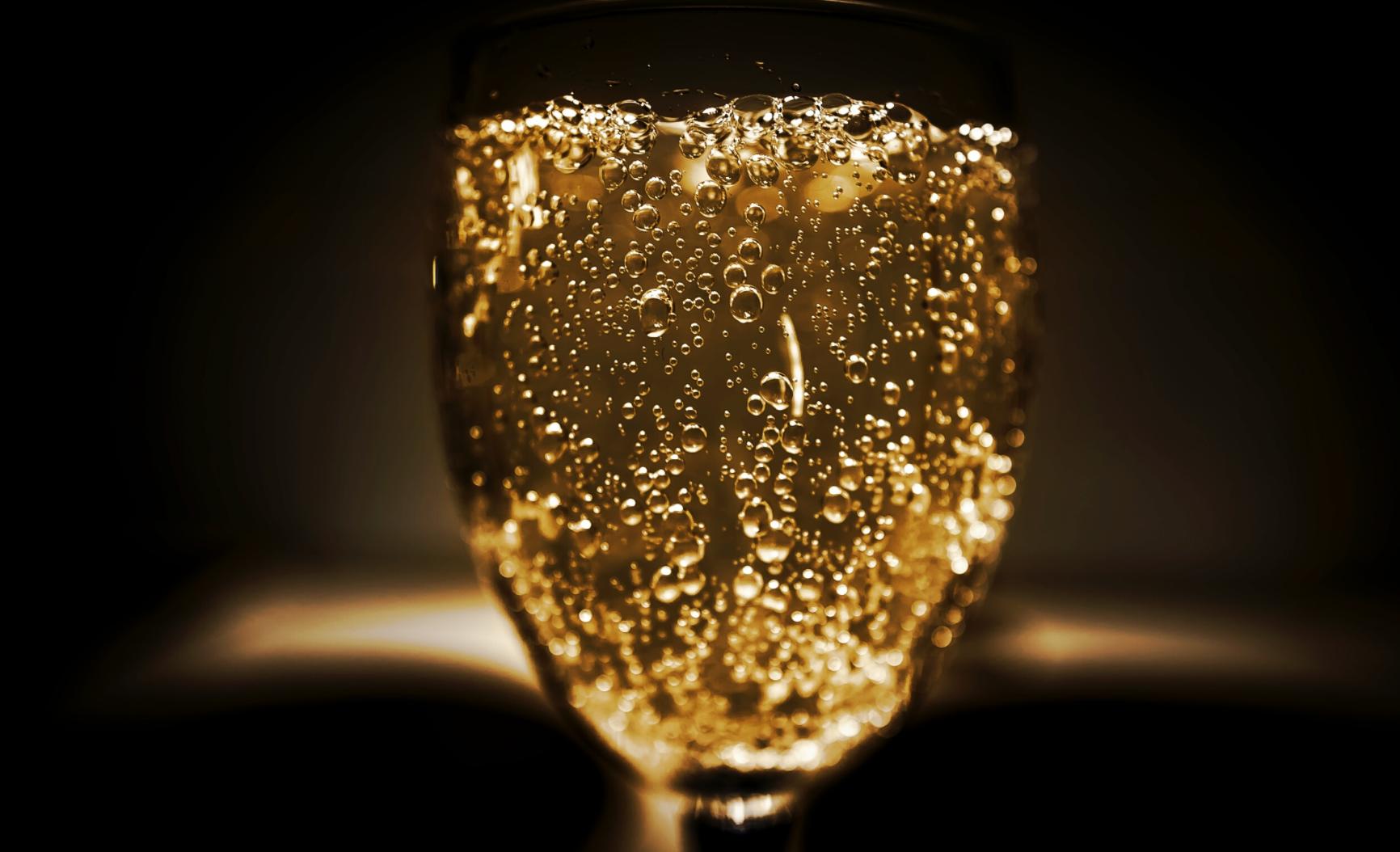 От алкоголя в умеренных количествах есть польза
