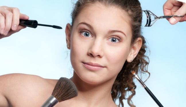 В каком возрасте можно начинать пользоваться косметикой?
