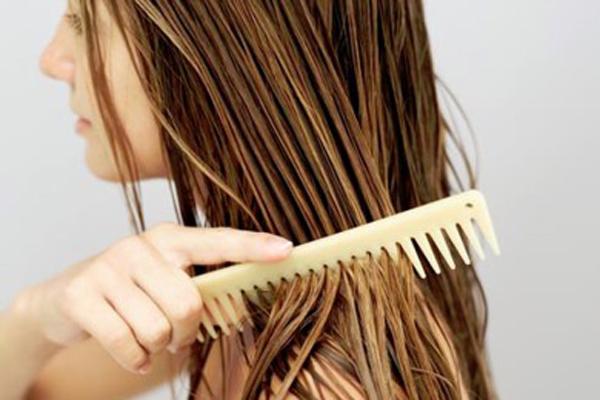 Пользуемся маслом для волос правильно