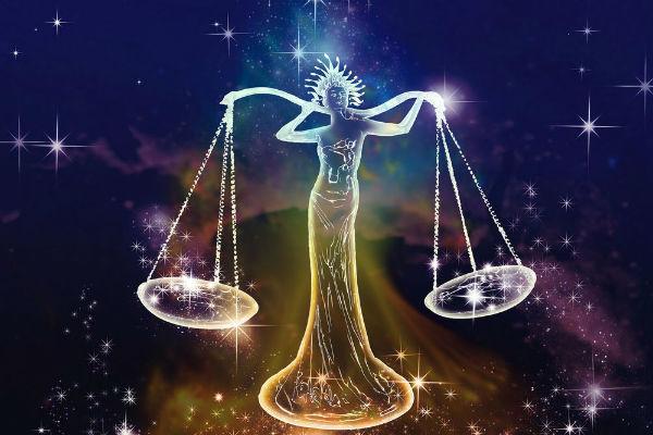 Женский гороскоп на неделю с 8 по 13 января для всех знаков Зодиака
