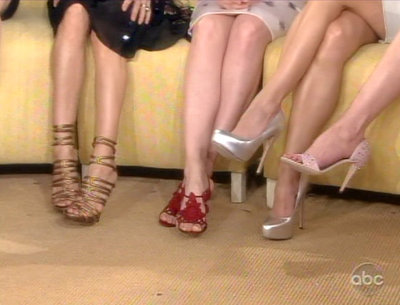 Шелковые ножки: 9 способов удалить ненужные волоски