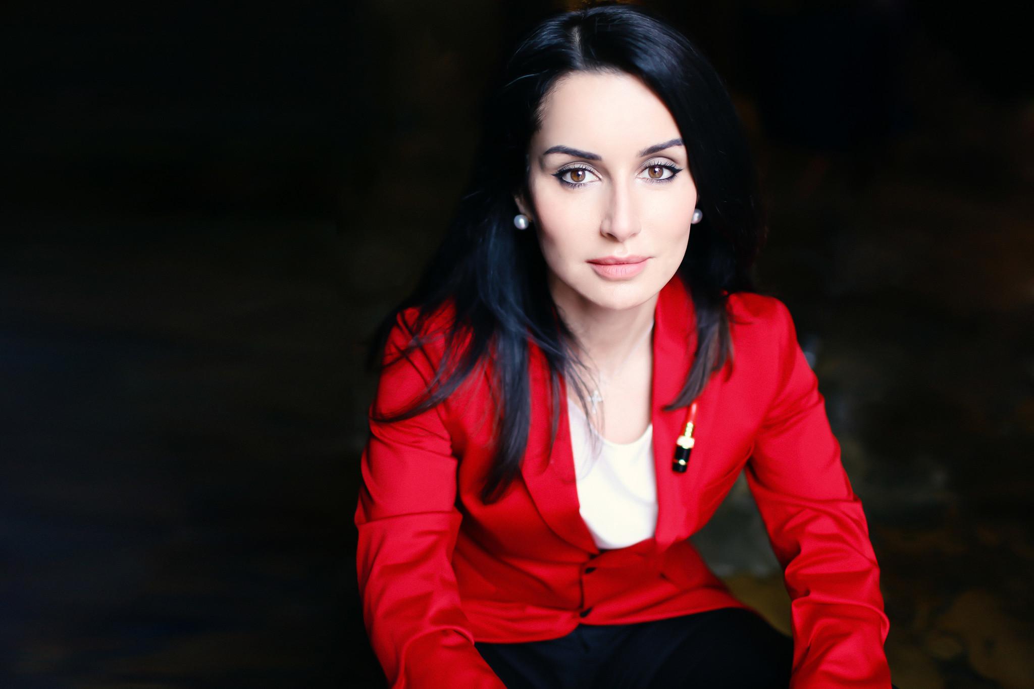 Тина Канделаки вышла в свет в тюрбане