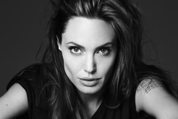 Актриса Анджелина Джоли примерила на себя роль ведьмы