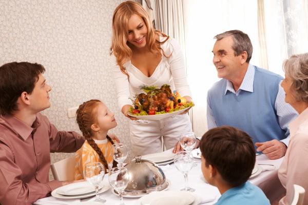 Как избежать ссоры с родственниками за праздничным столом