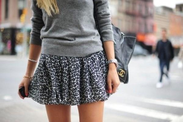 Какие свитера могут сочетаться с юбкой